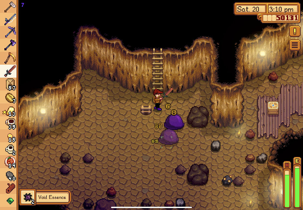Player is in the mines, fighting with giant slime enemies.