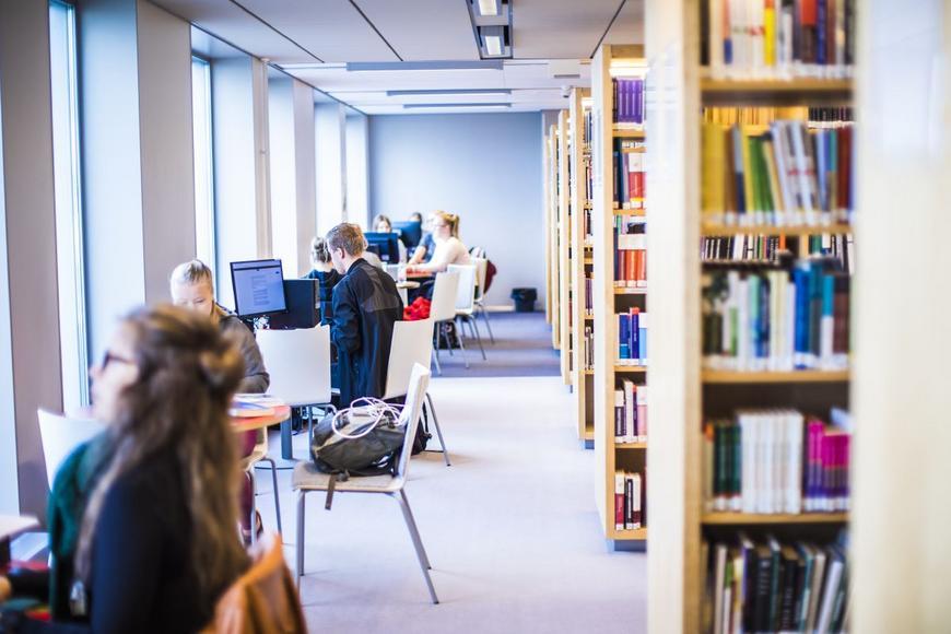 Kirjasto Koulutus